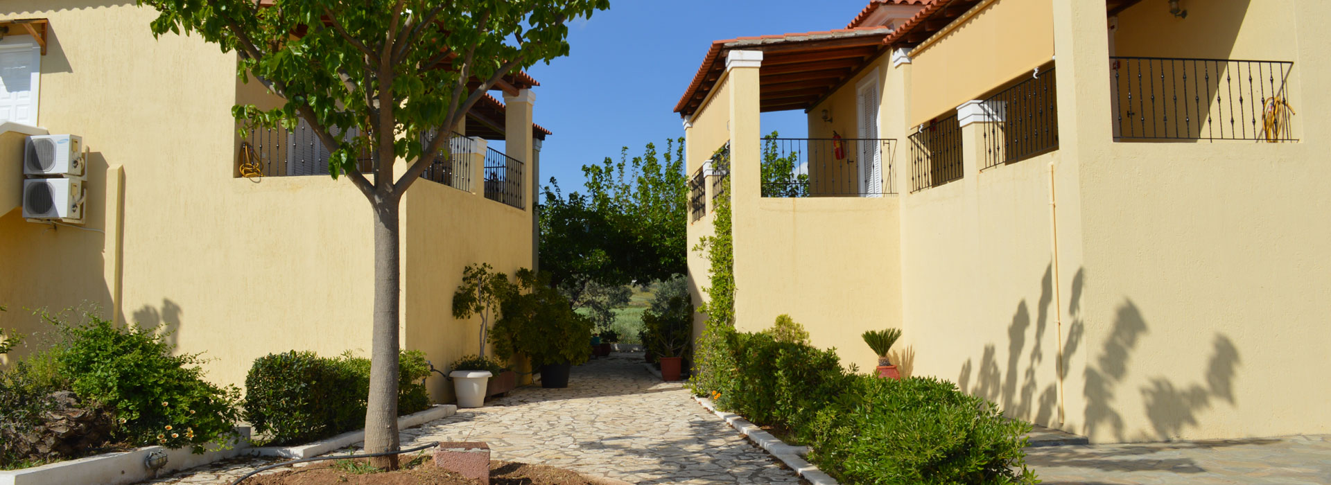 Petrothalassa Accommodation at Bekas Studios & Apartments Argolida